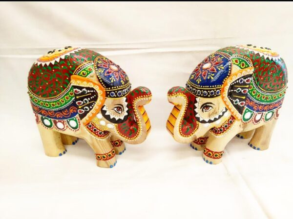 Wooden elephant set with colourful work